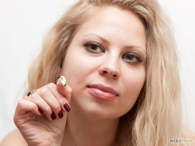 Imagen titulada cicatrices del acné de IDR con manteca de karité Paso 5