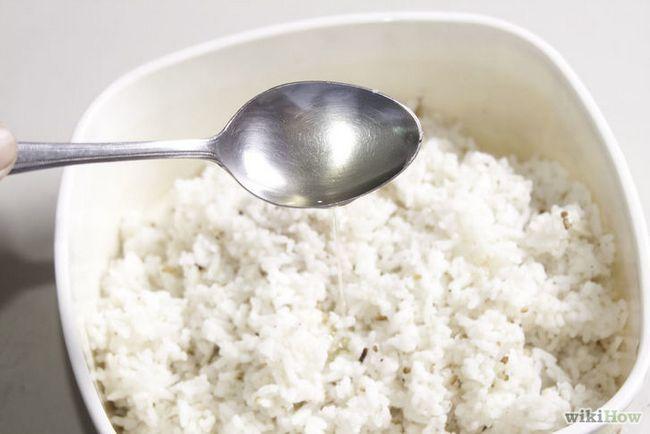 Imagen titulada hacer huevos fritos de arroz Paso 2