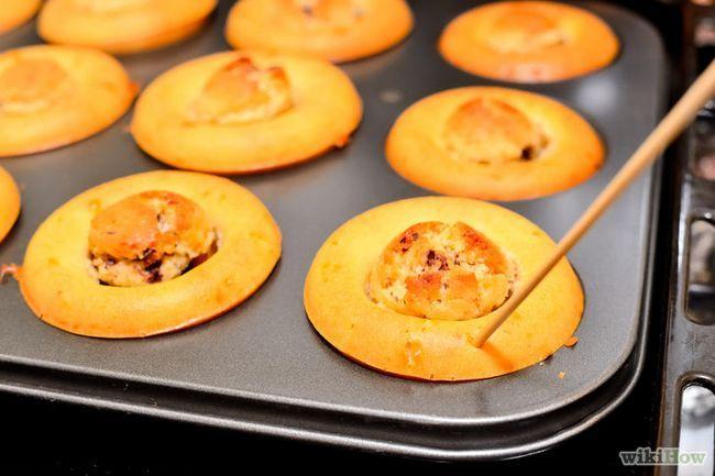 Imagen titulada Hacer una galleta de chocolate magdalenas de la pasta Paso 17