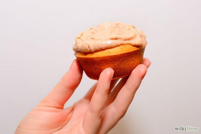 Imagen titulada Hacer una galleta de chocolate magdalenas de la pasta Paso 25