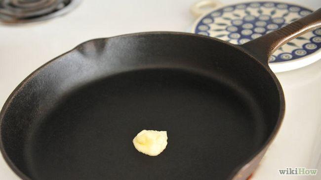 Imagen titulada Hacer cremosa huevos revueltos Paso 3