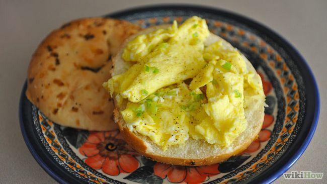 Imagen titulada Hacer cremosa huevos revueltos Paso 9