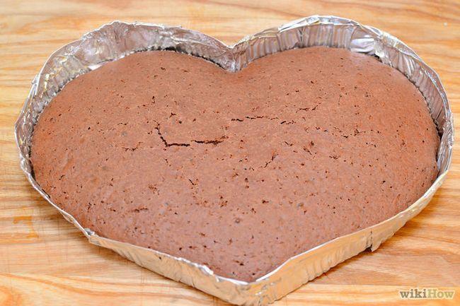 Imagen titulada hacer una torta en forma de corazón Paso 6