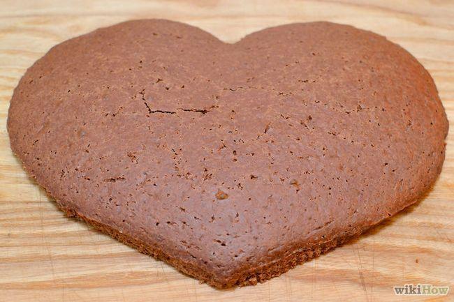 Imagen titulada hacer una torta en forma de corazón Paso 7