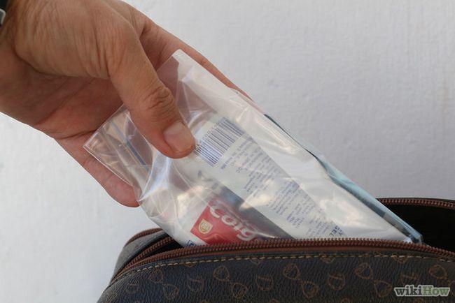 Imagen titulada Paquete y geles líquidos en el avión Paso 4