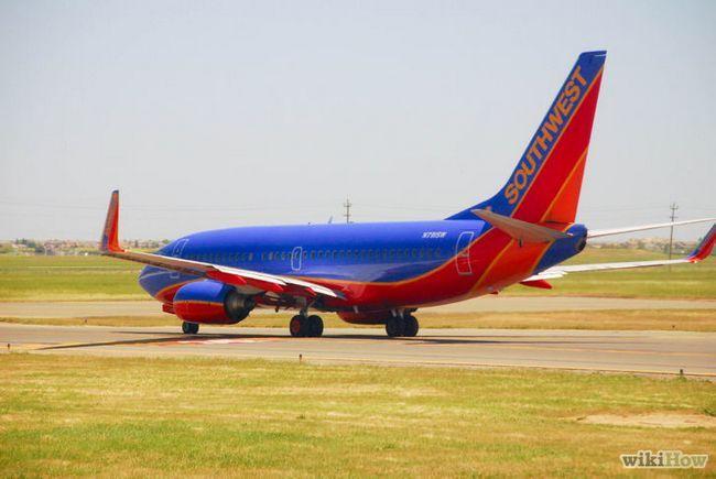 Imagen titulada conseguir un buen asiento en un avión Paso 7