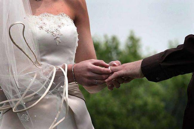 Imagen de la boda titulado & quot; con este anillo I Thee casa & quot; 1627