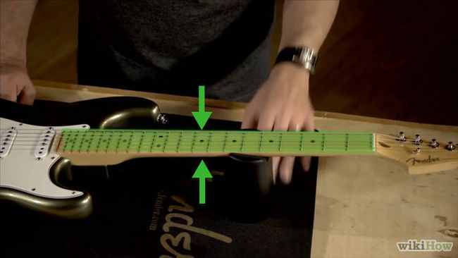 Sustitución de las cuerdas de una guitarra