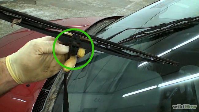 Sustitución de la brisa del limpiaparabrisas del coche