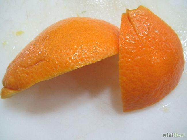 Imagen titulada Use cáscaras de frutas cítricas en el hogar y jardín Paso 5